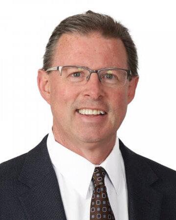 Steve McKelvey教授